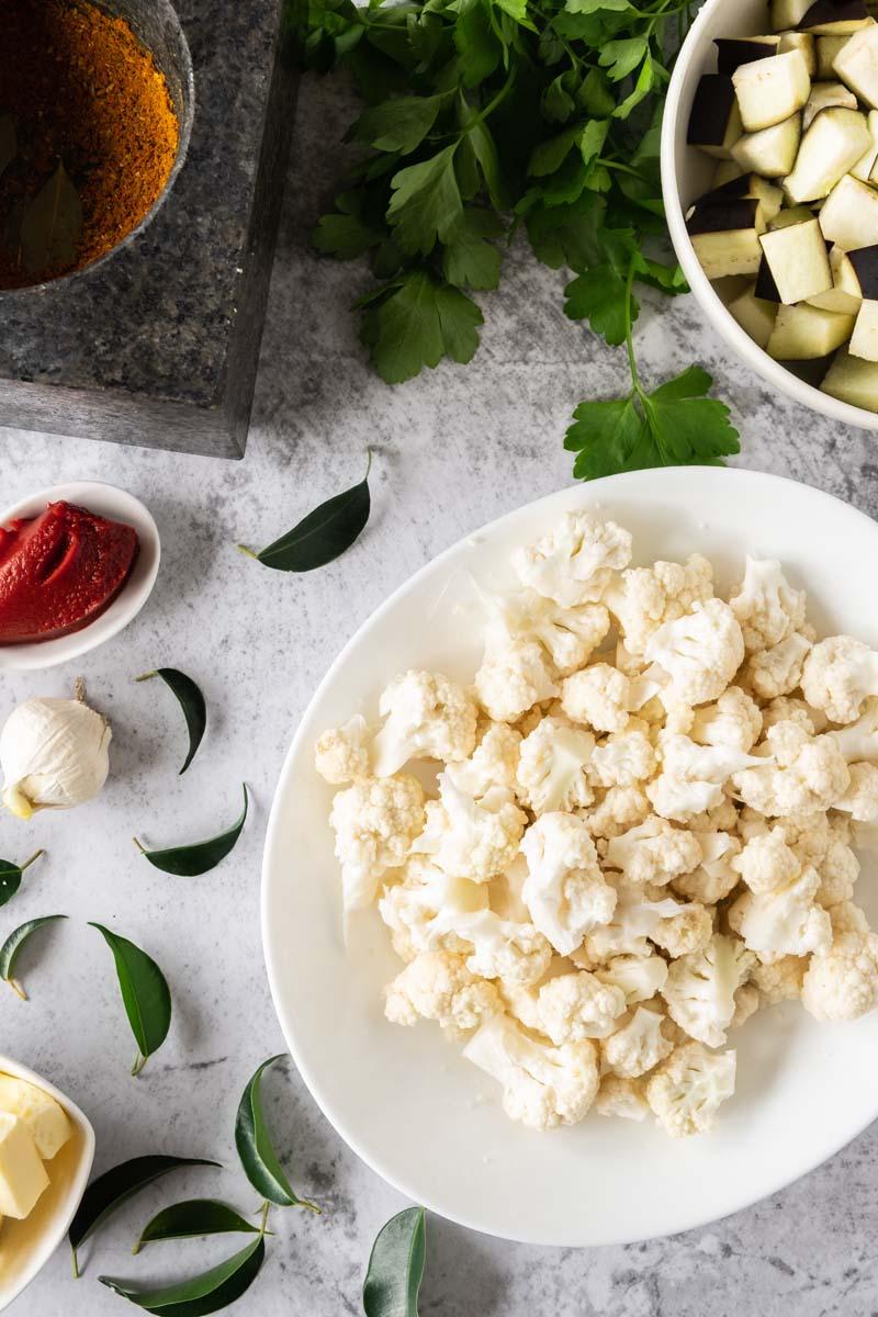 Vadouvan Cauliflower ingredients.