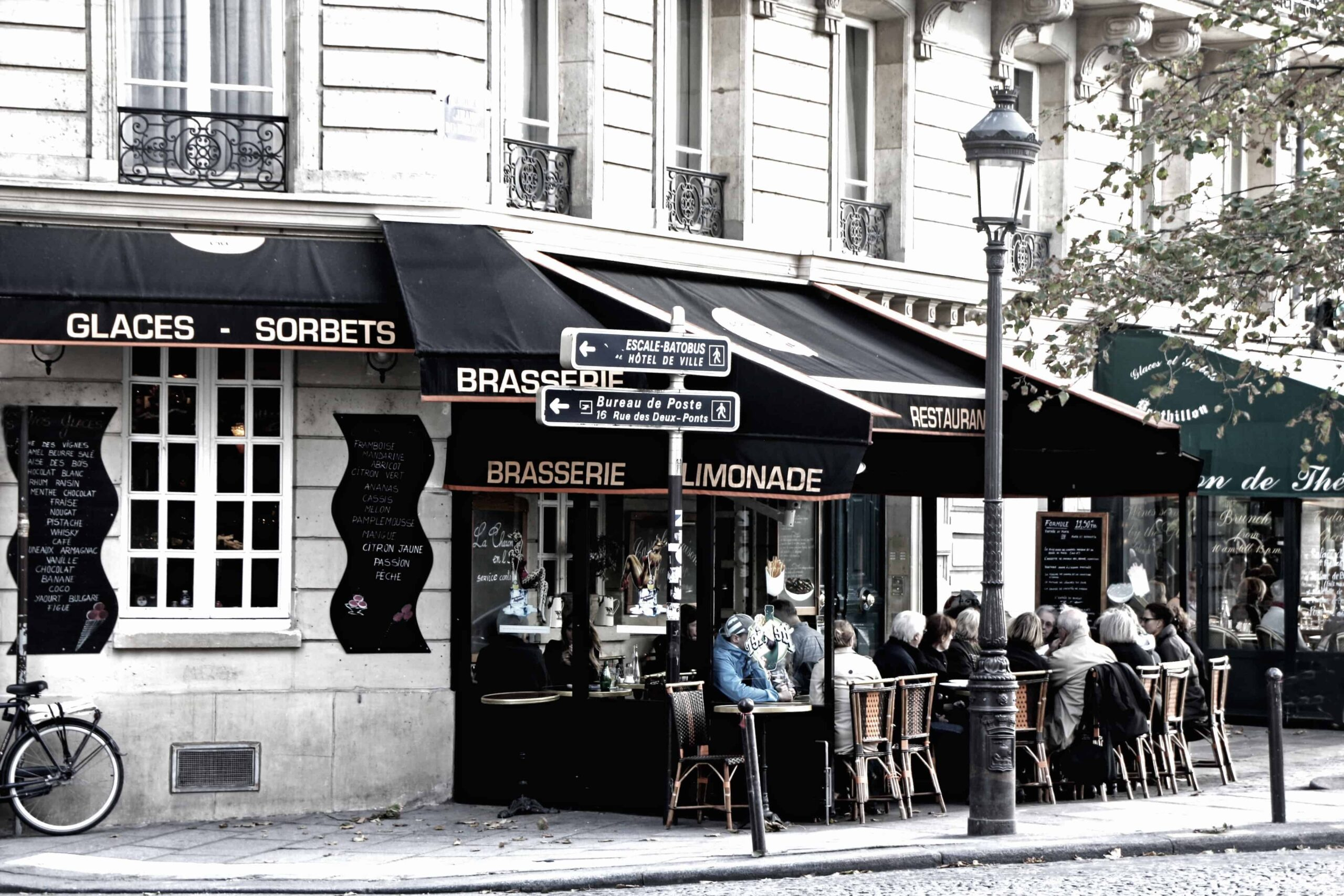 View of a bistro in the streets of Paris.