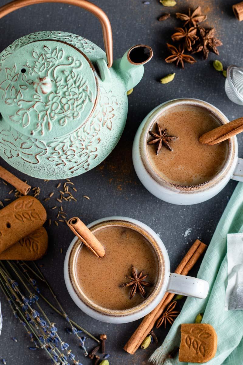 chai tea in cups